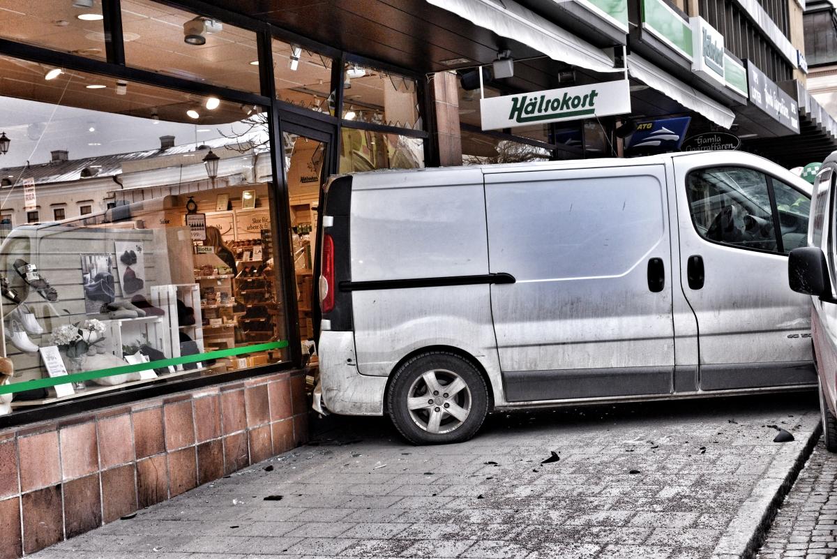 06ecda333e9 Växjö: Trafikolycka på Kungsgatan – Nyhetsbilden.org