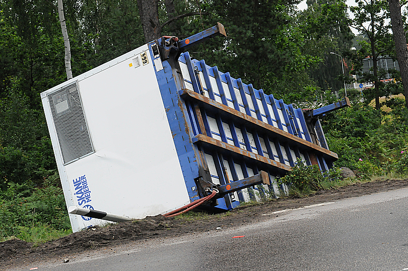 Lastbil tappade husvagn